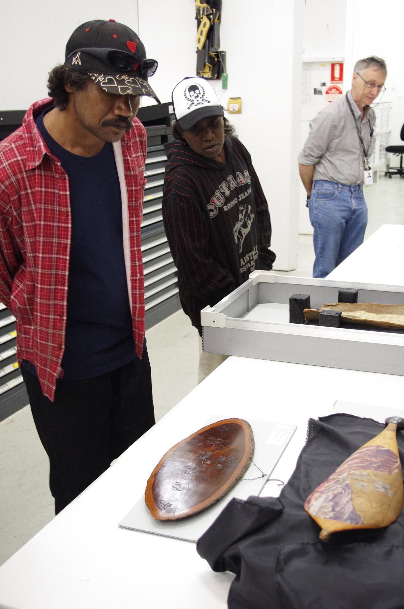 Vincent Namatjira visits QAGOMA